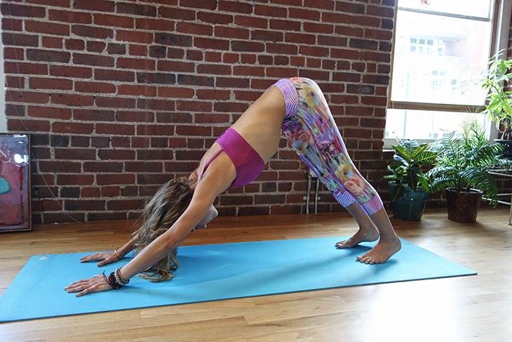 hottie-yoga-downward-facing-dog