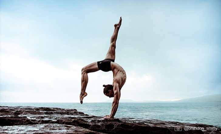 10 Rockstar Yoga Men to Follow on Instagram
