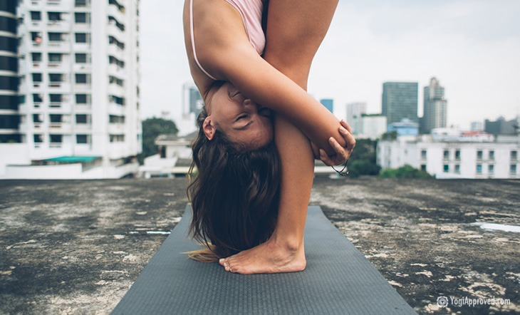 10 Ways Your Yoga Practice is Like a Serious Relationship