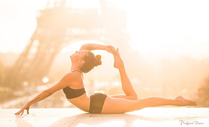 6 Beautiful Yoga Photos Taken After the Attacks in Paris