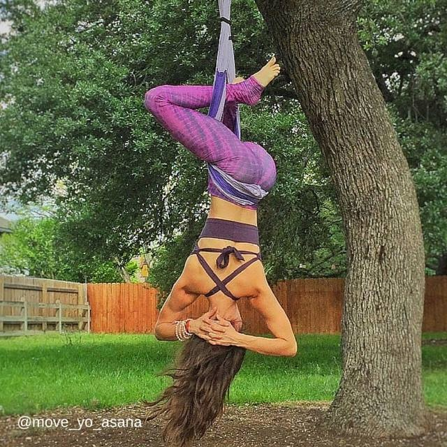 yoga-trapeze-from-tree
