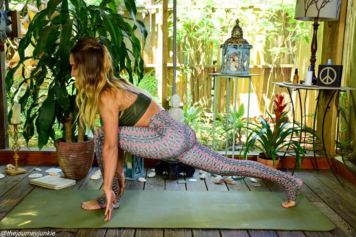 feel-good-yoga-sequence_runners-lunge