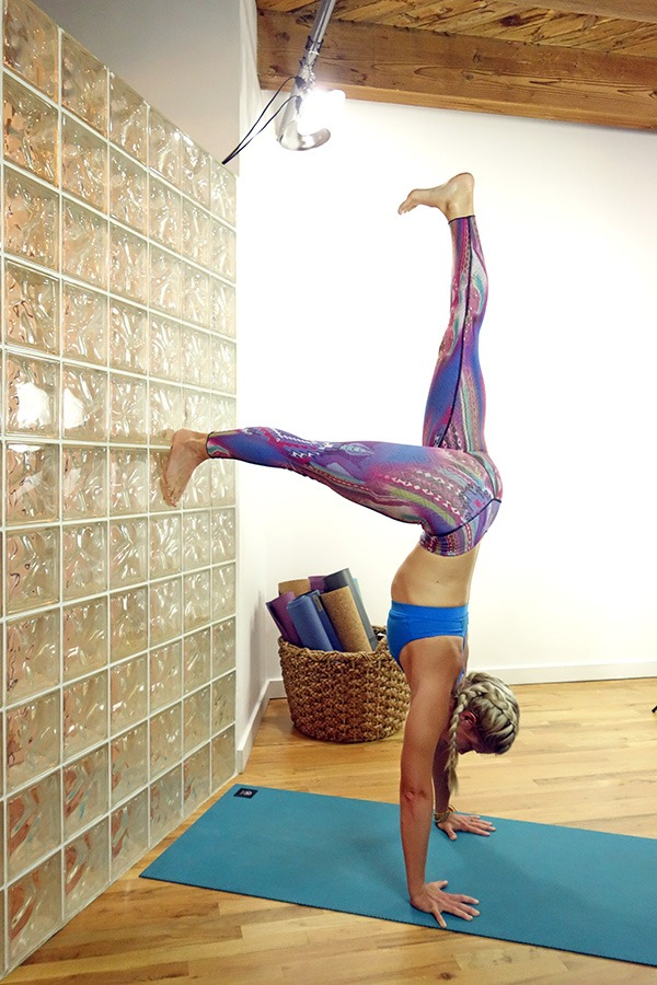 handstand-pike-on-wall