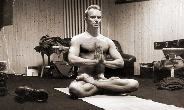 sting-yoga-pose