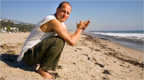 woody-harrelson-yoga
