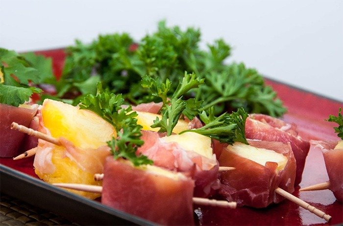 2_prosciutto_wrapped_pineapple_2