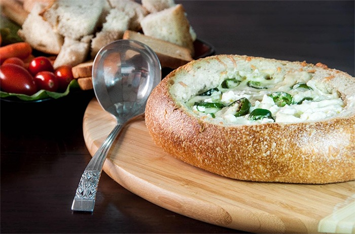 5_warm_fondue_bread_bowl_1