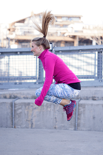travel-workout-tuck-jumps