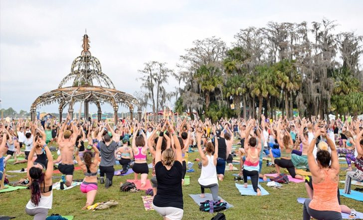 Yoga Teachers: This is How to Get Booked at a Yoga Festival