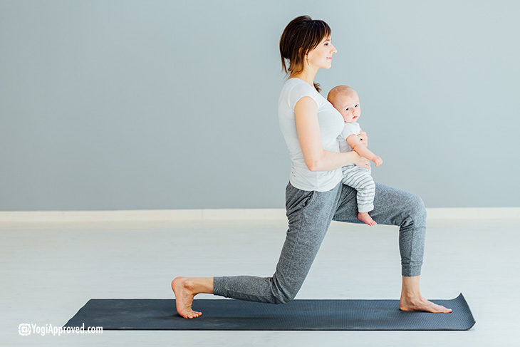 low-lunge-baby-yoga