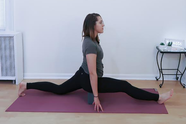 9 Stretches for Splits Pose - Practice These to Get Into Full Splits
