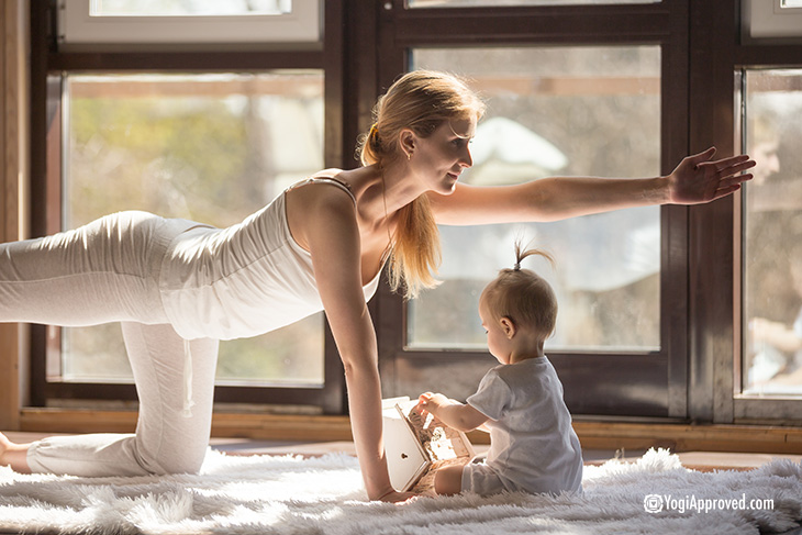 yoga-with-baby-core