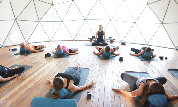Here's How to Lead a Successful Wellness Retreat | YogiApproved.com