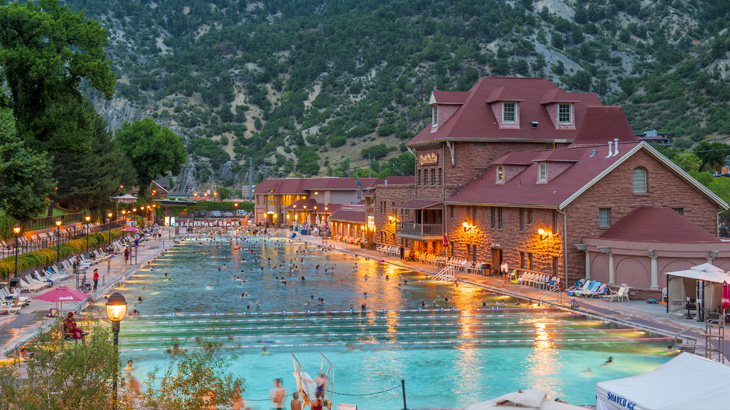 Glenwood-Hot-Springs-Pool-hot-springs-colorado