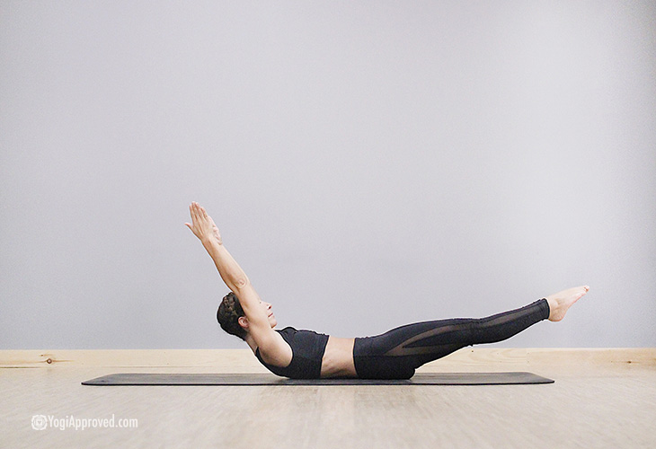 Hollow_Body_Cathy_madeo_Yoga