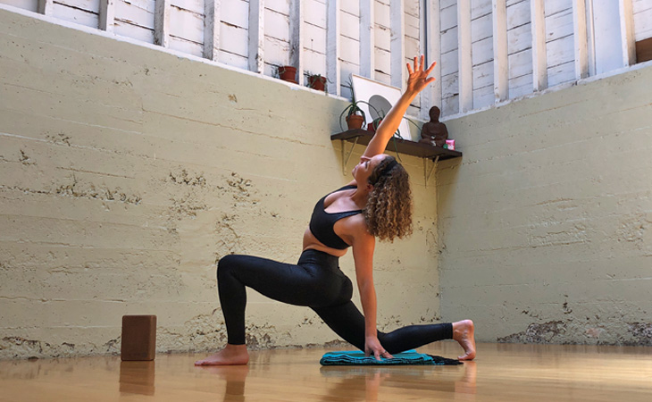 Low-Lunge-with-Side-Bend