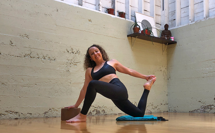 Runners-Lunge-with-Quad-Stretch