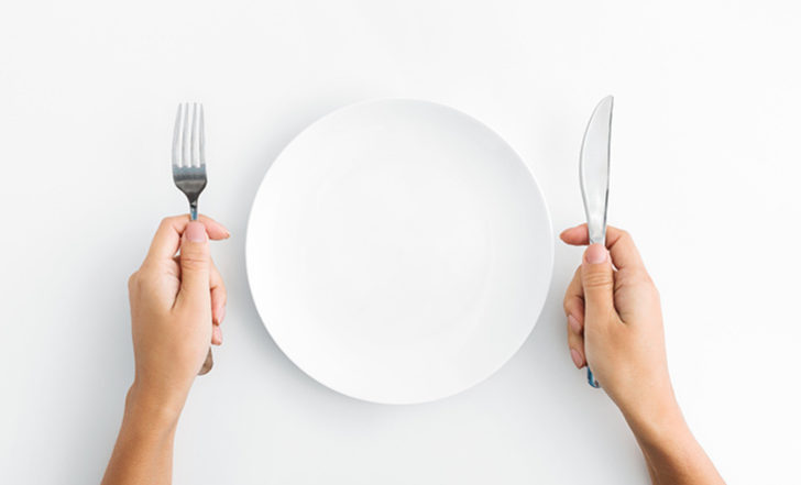 """The Food Pyramid Just Got Updated With Harvard's """"Healthy Eating Plate"""" – Here Are the Pros and Cons"""