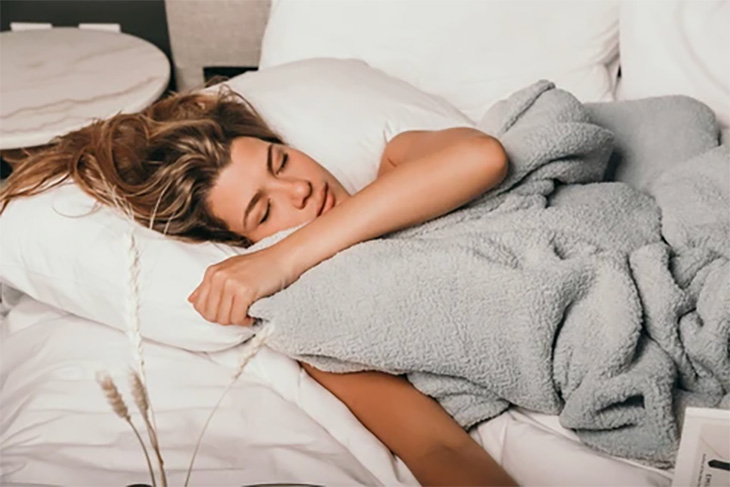Crystal-Weighted-Blanket-sunday-citizen