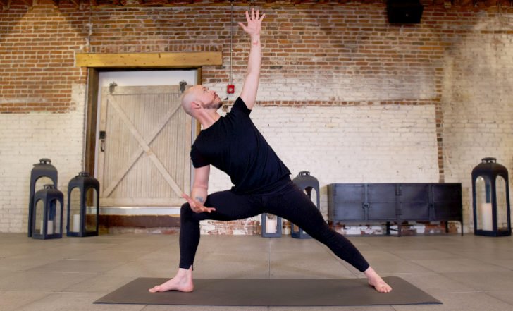 10 Yoga Poses to Strengthen Your Knees and Prevent Injury