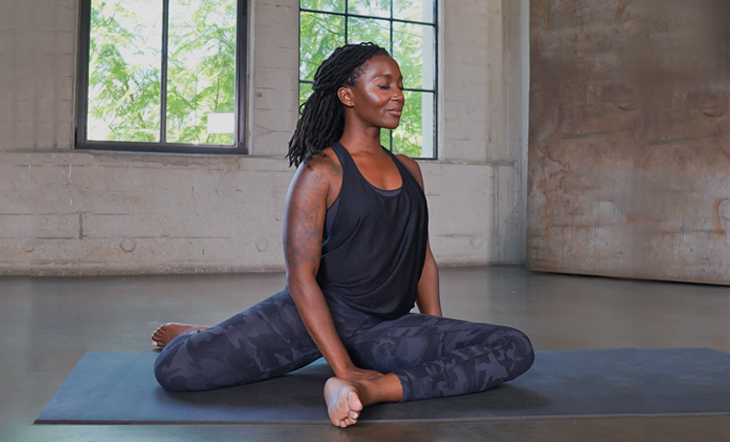 Practice Mindful Movement In This No-Props Online Yin Yoga Class