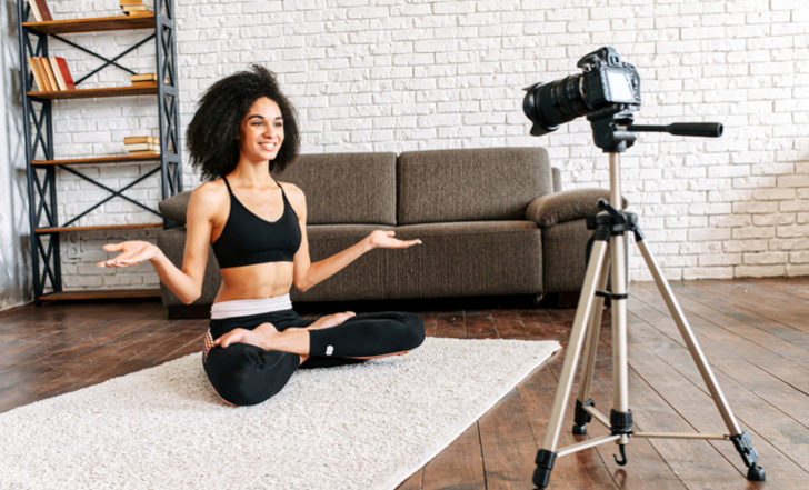 If You Teach Yoga Online, You Need to Read These 5 Tips