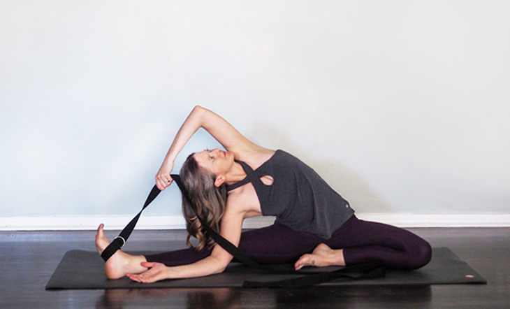 This Is How to Use a Yoga Strap In 6 Common Yoga Poses (Photo Tutorial)
