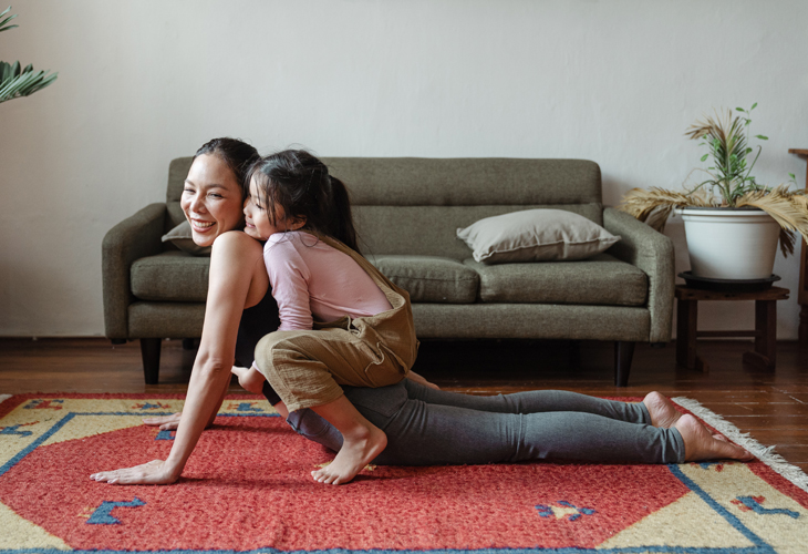 3 Simple Ways to Start Doing Yoga at Home With Your Kids